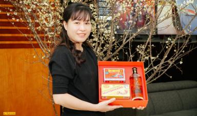 Người phụ nữ đứng sau 14.000 hộp quà Tết FPT Telecom